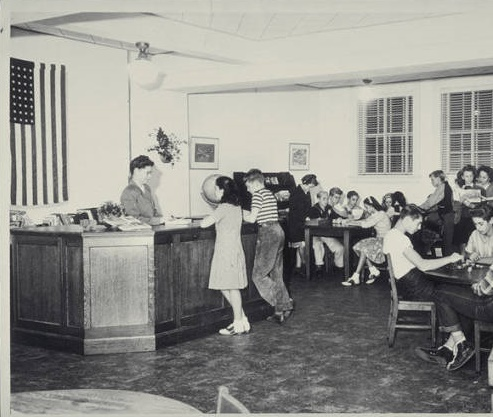 Ocean Park Branh Youth Services Room in 1945